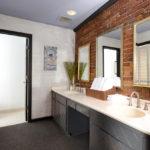 deluxe penthouse bathroom