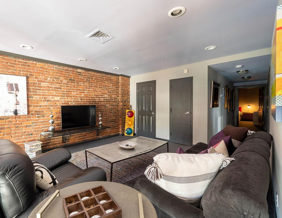 printers alley deluxe penthouse
