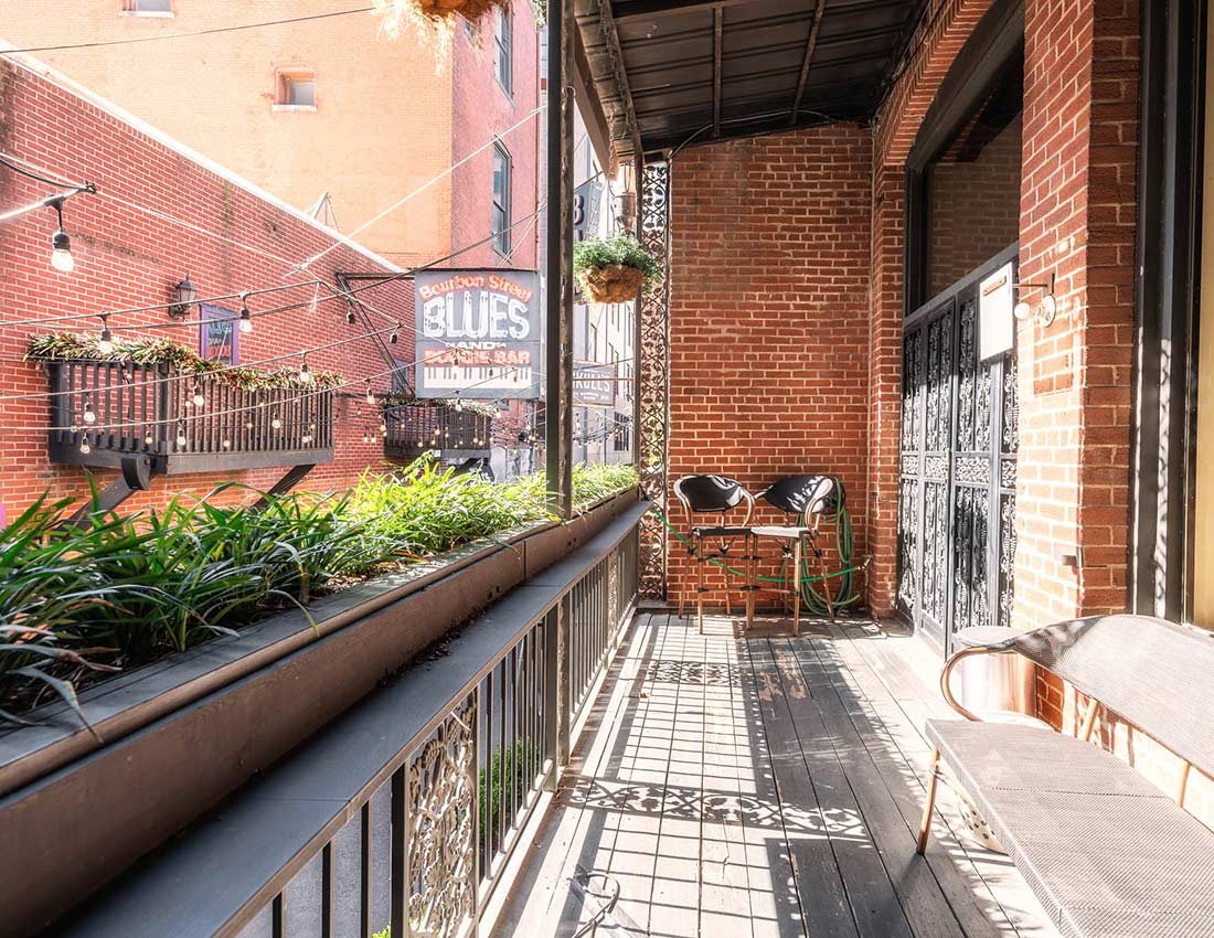 printers alley grand loft balcony